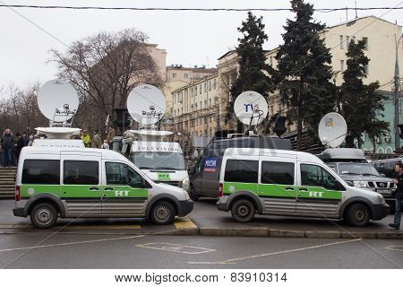 Buses Broadcaster Russia Today Near March Of The Opposition