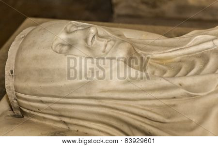 statue of queen Blanche de France in  basilica of saint-denis