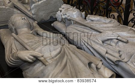 Philippe le bel and Philippe le hardi  in  basilica of saint-denis