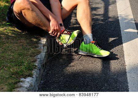 marathon runner roadside