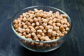 foto of chickpea  - some chickpeas on glass bowl on wood - JPG