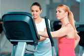 pic of elliptical  - Mother and daughter training - JPG