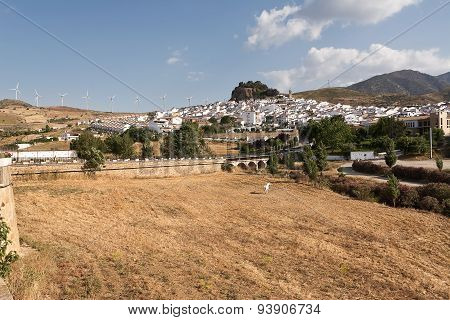 Ardales: Tipical Andalusian Village (pueblo Blanco)