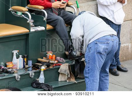 Shoe Shiner in New York