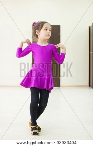 Kid Is Dancing Wearing In Dance Costume