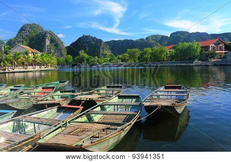 Tam Coc Boat Harbor