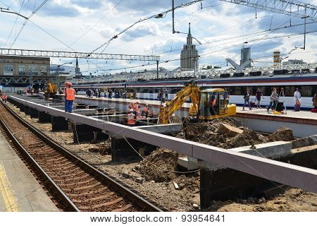 Moscow, Russia - 17.06.2015. Reconstruction Of  Railway At The Leningrad Station.