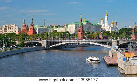 View of the Moscow Kremlin a large stone bridge and Moscow river