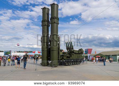 S-300V (Antey-300V) anti-aircraft missile system