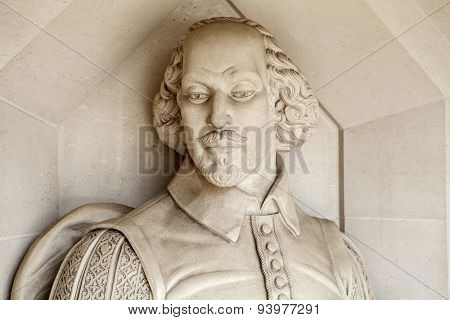 William Shakespeare Sculpture In London