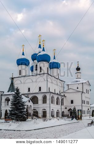 Cathedral.Vysotsky Monastery is a walled Russian Orthodox monastery commanding the high left bank of the Nara River in Serpukhov