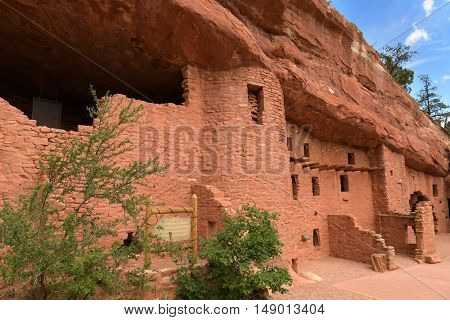Outside view of Manitou Cliff Dwellings near Colorado Springs