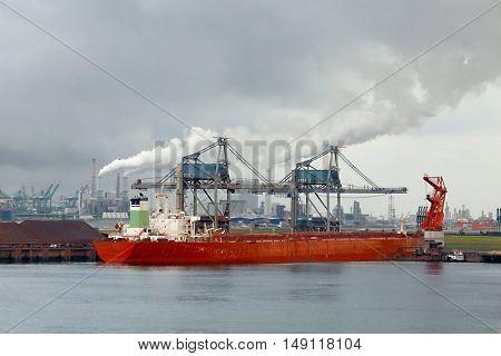 Huge bulk carrier ship ion port