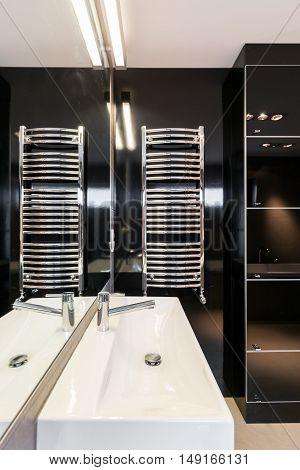Black Tiles In Bathroom