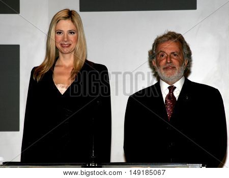 Mira Sorvino and Academy President Sid Ganis at the 78th Annual Academy Awards Nominations held at the Academy of Motion Picture Arts and Sciences in Beverly Hills, USA on January 31, 2006.