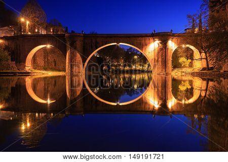 Ponte de São Gonaçalo em Amarante, ponte que atravessa o rio Tâmega.