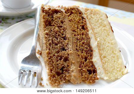 Coffee, vanilla and gingerbread Victoria sandwich cake