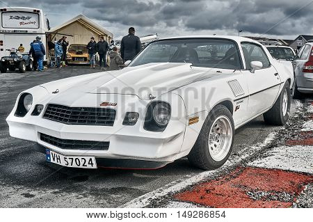 Norway Drag Racing, White Race Car Side View