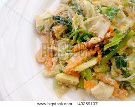 Suki Without Broths, Stir Fried Mixed Vegetable And Tofu In Sukiyaki Sauce On Plate. Vegetarian Food