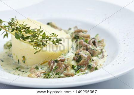 mashed potato with mushrooms