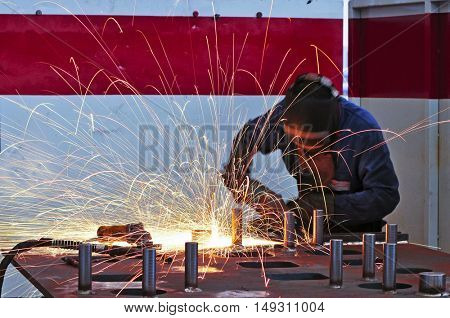 welder on work