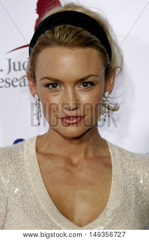 Kelly Carlson at the 'Runway For Life' Benefiting St. Jude Children's Research Hospital held at the  Beverly Hilton in Beverly Hills, USA on September 15, 2006.