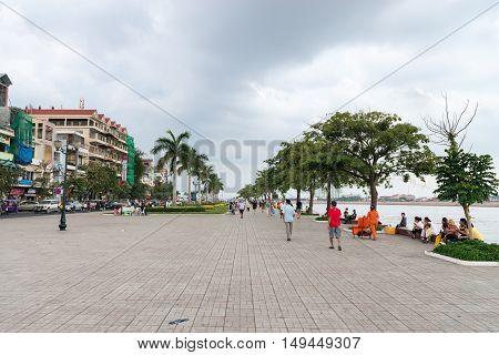 Cement Beachfront Promenade In Phnom Penh On A Cloudy Day.