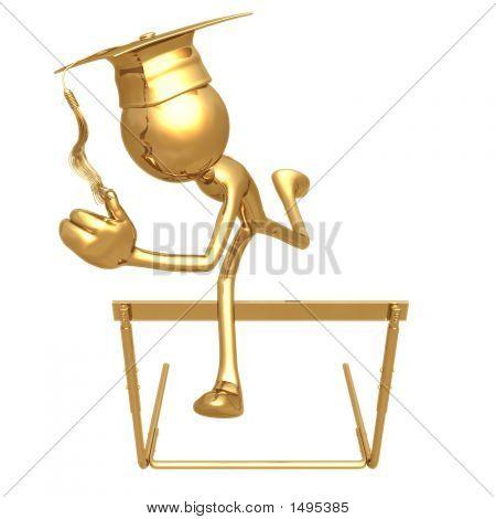 Grad ouro pulando obstáculos conceito de graduação