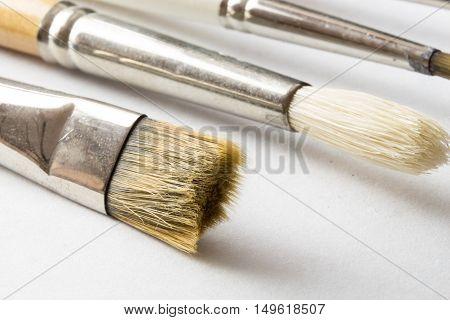 Clean art paintbrushes macro closeup \ background