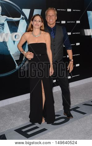 LOS ANGELES - SEP 28:  Suzanne Cryer, Patrick Fabian at the HBO's