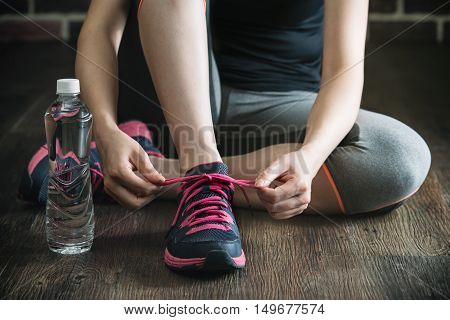 Knee Down With Tie Sneakers Shoestring Drink Water Fitness Exercise