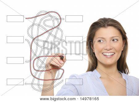 Schöne Frau, ein Puzzle zu lösen