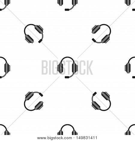 Different microphones types pattern. Journalist microphone, interview microphone, music studio microphone. Web broadcasting microphone, vocal microphone, tv show microphone. Microphones icons