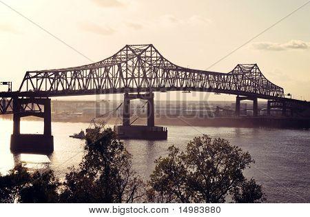Puente sobre el río Mississippi en Baton Rouge