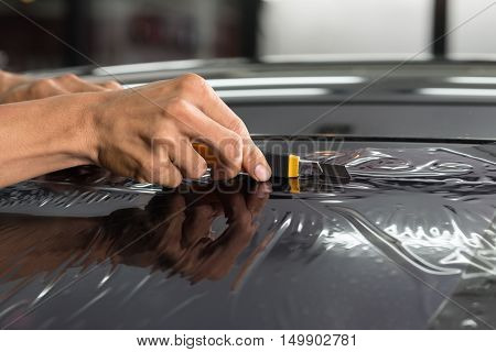 Car window tinting series : Cutting windshield film