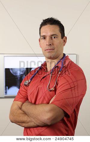 Médico con rayos