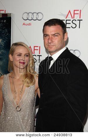 """LOS ANGELES - 3 de NOV: Naomi Watts, Liev Schreiber llega en el AFI FEST 2011 presentado por Audi-"""""""