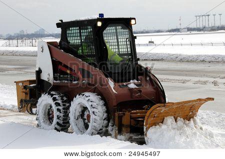 Sidewalk snow plow