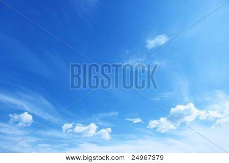 Blauwe hemel.