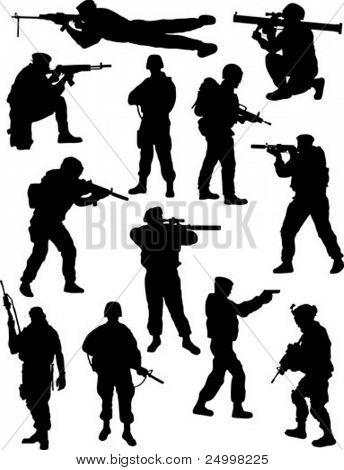 Silhuetas de soldados
