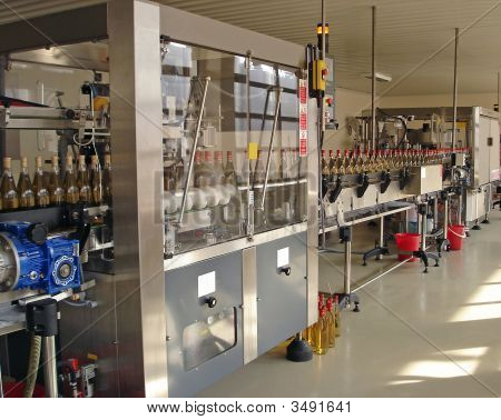 Automated Wine Bottling Line