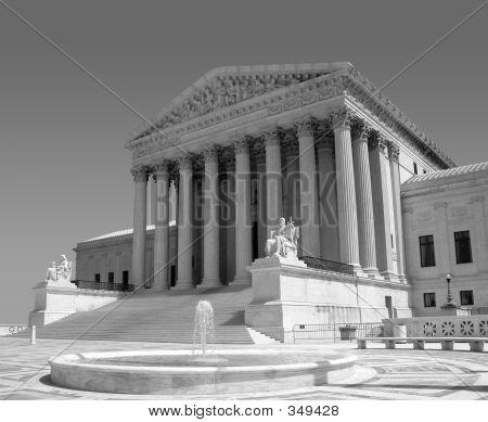 Corte Suprema de EE.