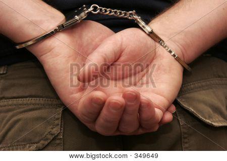 verhafteten 2