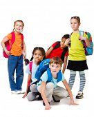 Постер, плакат: Школы в возрасте дети группы с рюкзаками