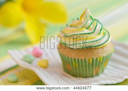 Yellow-green Motive Cupcake