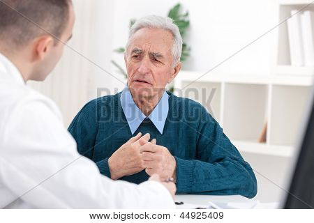 Senior patent complained doctor about his problem