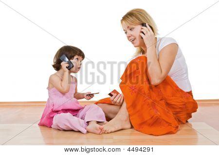 Duas meninas falando