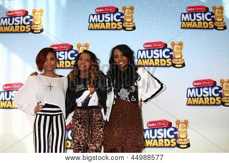 LOS ANGELES - APR 27:  China Anne McClain (middle) arrives at the Radio Disney Music Awards 2013 at the Nokia Theater on April 27, 2013 in Los Angeles, CA