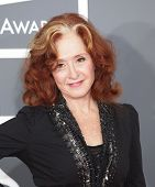 LOS ANGELES - FEB 10:  Bonnie Raitt arrives to the Grammy Awards 2013  on February 10, 2013 in Los A
