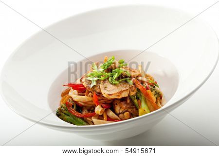 Udon with Fried Fillet of Chicken and Vegetables